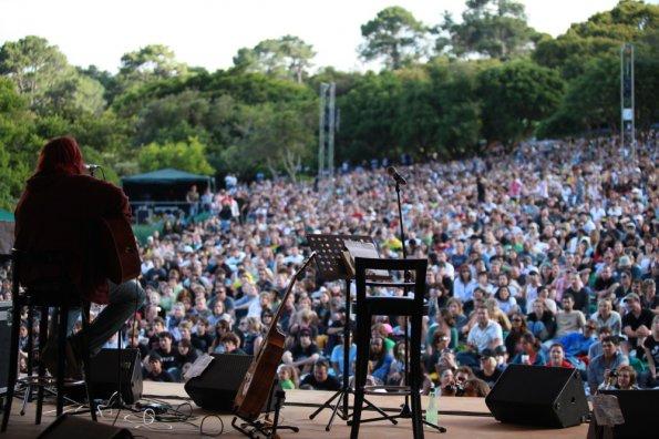 'n Deel van die 12 000 mense wat die laaste keer kom kyk het toe Shaun hier in Suid-Afrika in aksie was!
